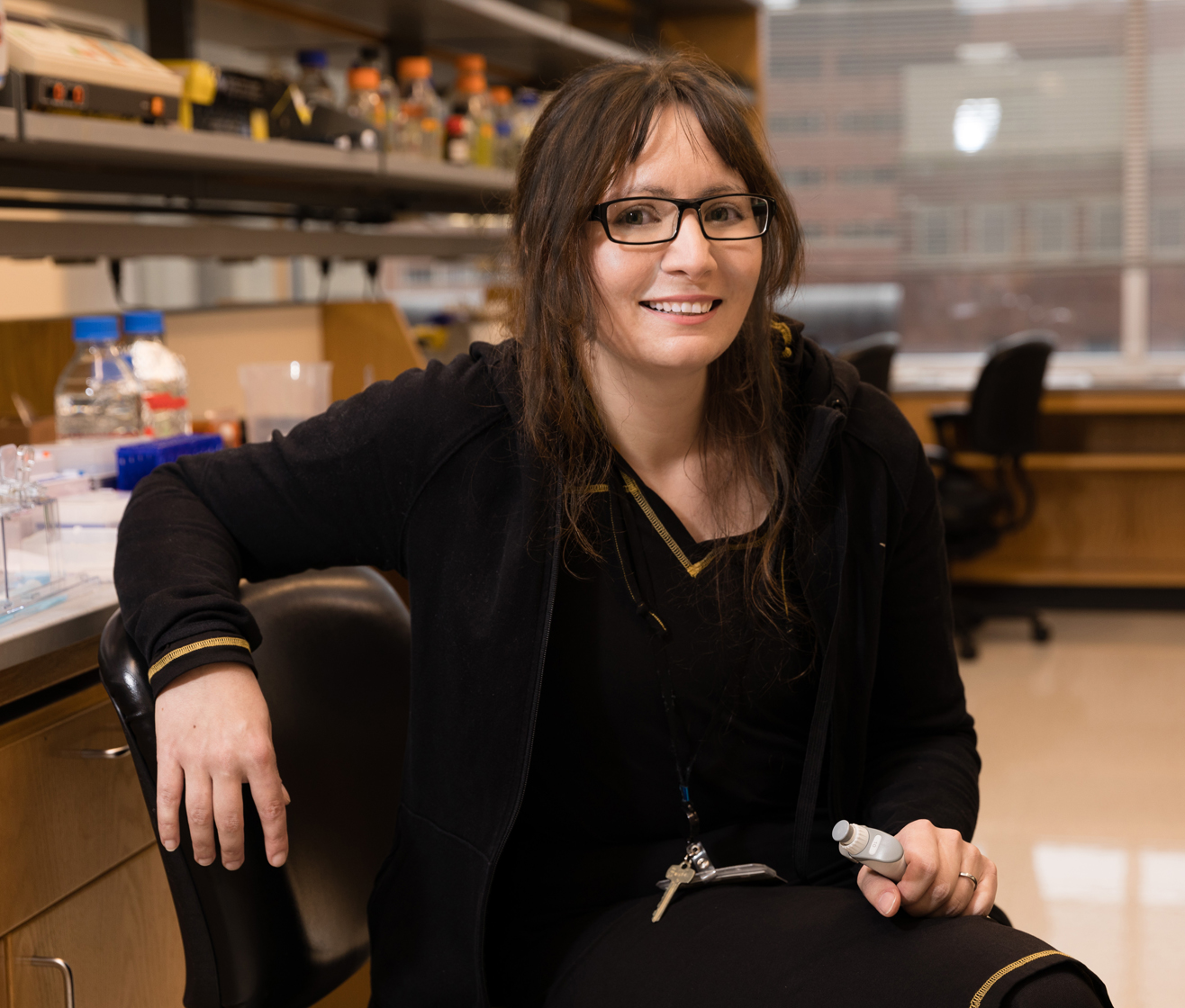 Kate Adamala Kate is a biochemist building synthetic cells. Her research aims at understanding chemical principles of biology, using artificial cells to create new tools for bioengineering, drug development, and basic research.